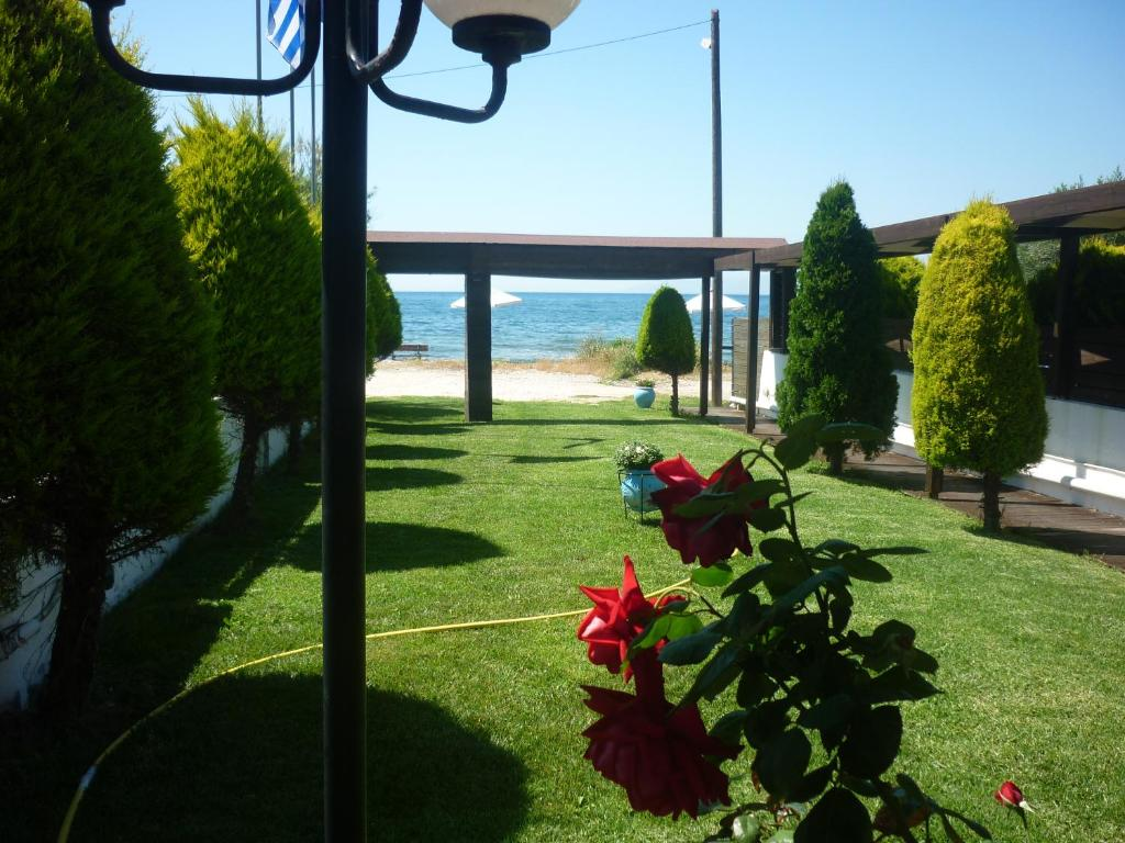 <div data-et-view=NAFQCDCcdXDPdFO:1</div Hotel Dimitra