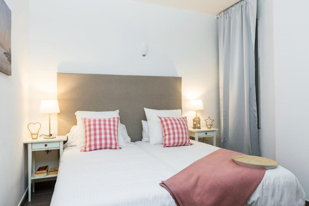 Apartamentos Cornellalux 2 (España Cornellá de Llobregat ...