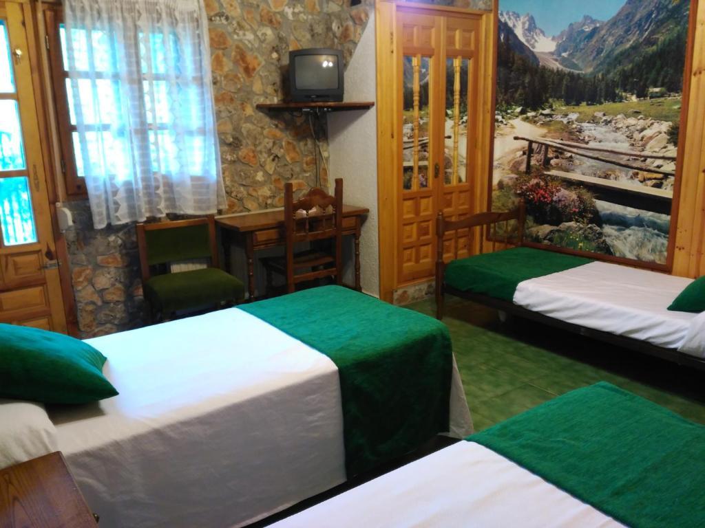 Camping Picon Del Conde Espa A Monasterio De Rodilla Booking Com # Muebles Rodilla