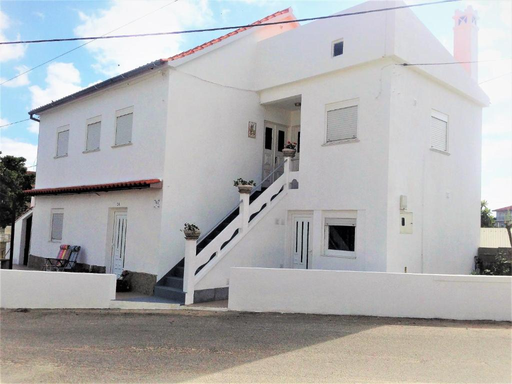 Apartamentos casa alegre portugal travancinha - Apartamentos en lisboa centro booking ...
