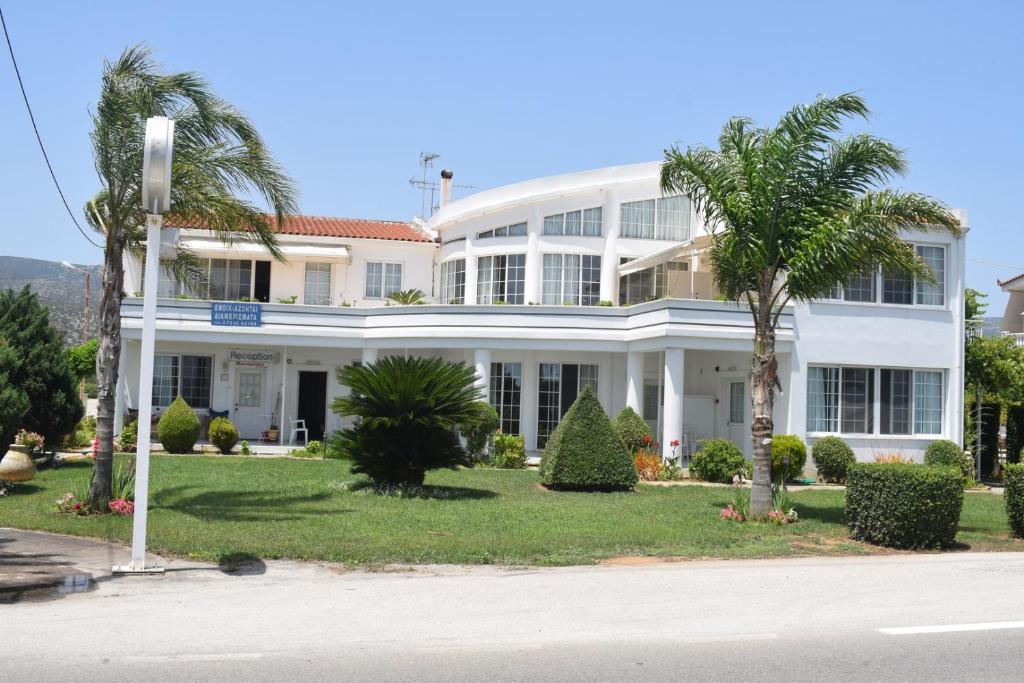 Miloi Rooms & Apartments