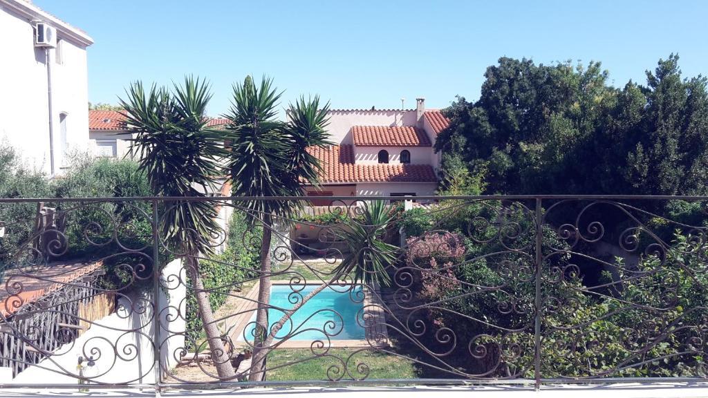 Casa de vacaciones maison avec piscine et jardin commun for Hotel perpignan avec piscine
