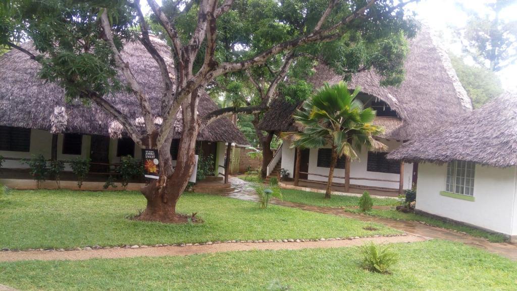 Malindi Chomazone Hotel and Lodge