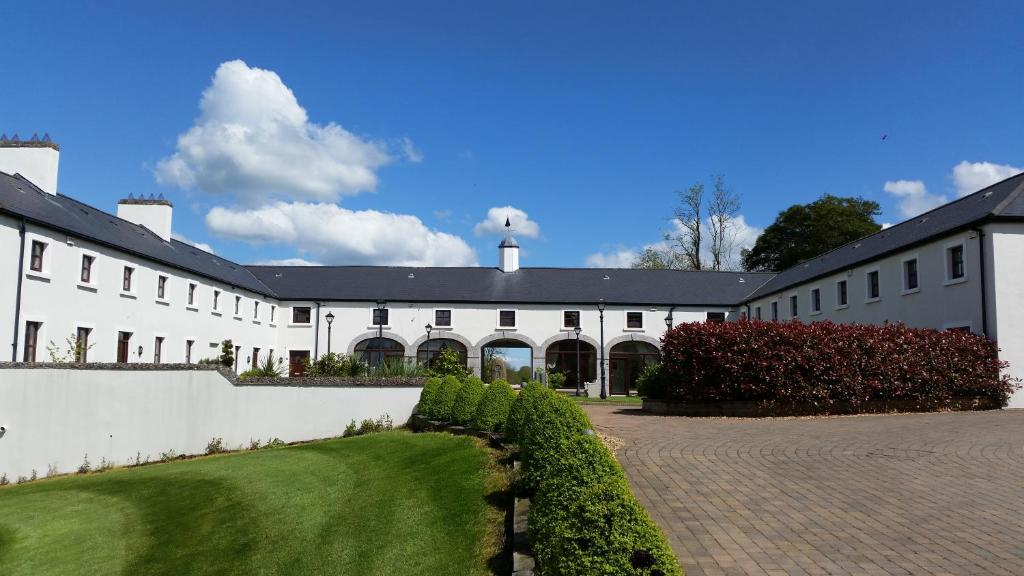 <div data-et-view=NAFQCDCcdXDPdFO:1</div New Forest Golf Club Apartments
