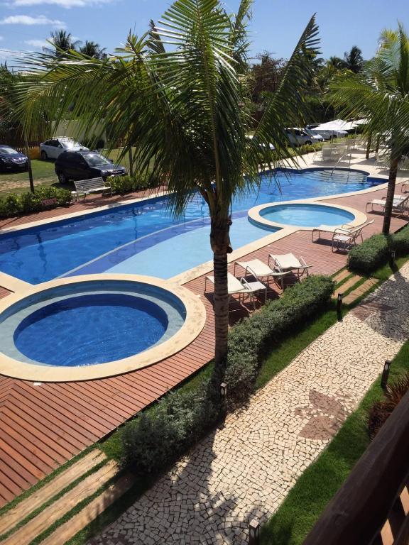 3 Suítes, praia e piscina