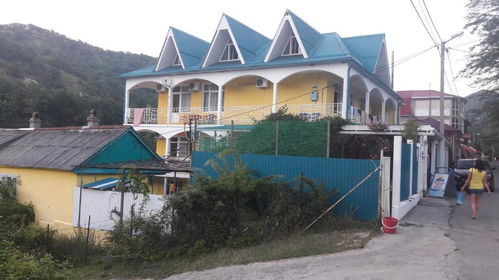 Guest House on Primorskaya 10