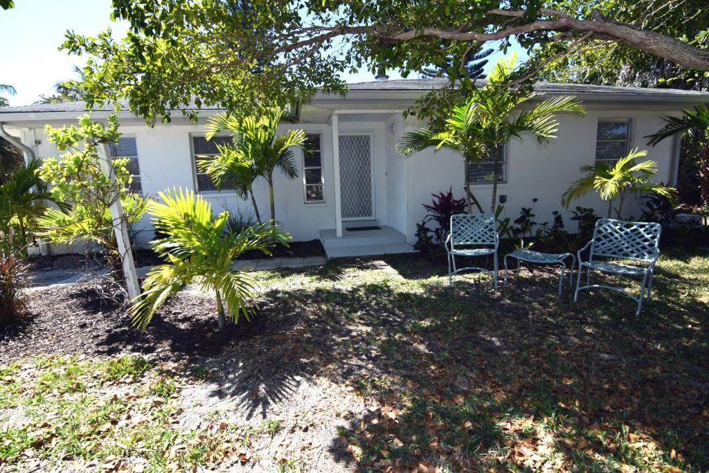 Jamaica Bungalow Cottage