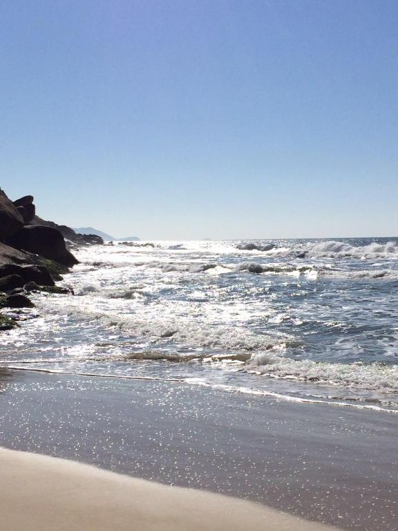 50 metros da Praia 6 pessoas
