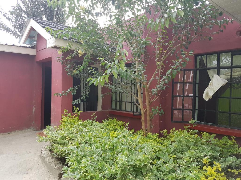 Quinns Lounge Kitengela