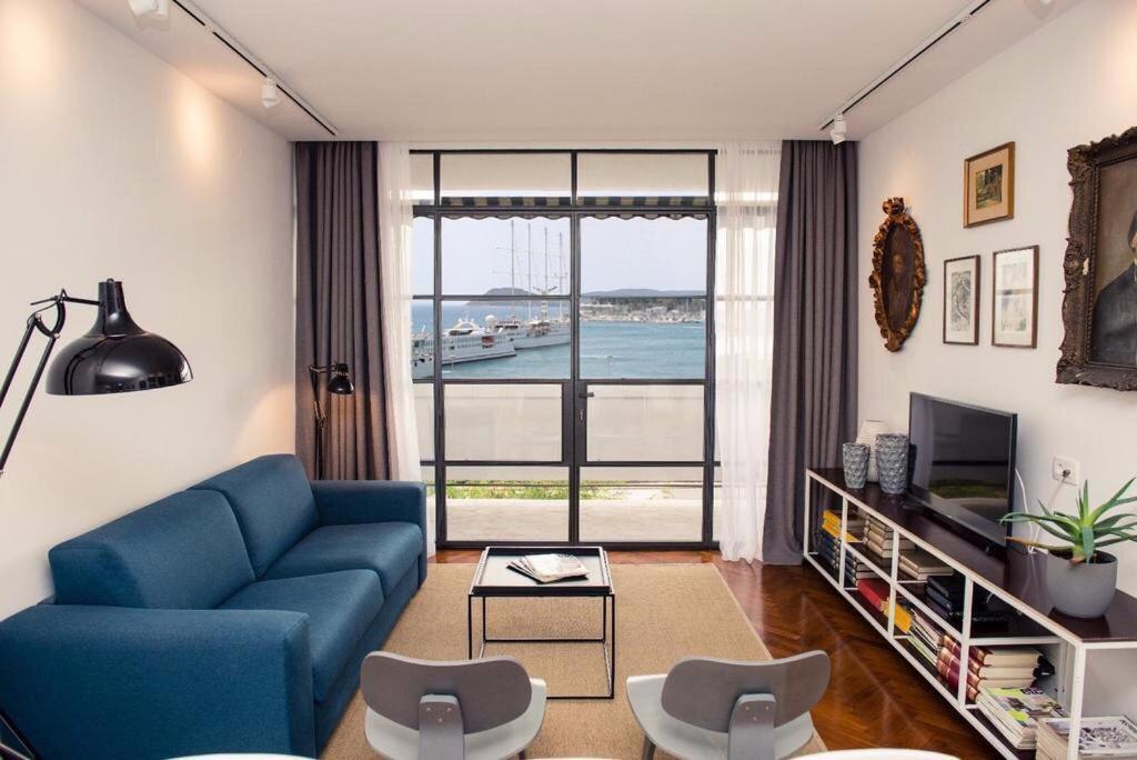 Retro Living Room Apartment Croacia Split