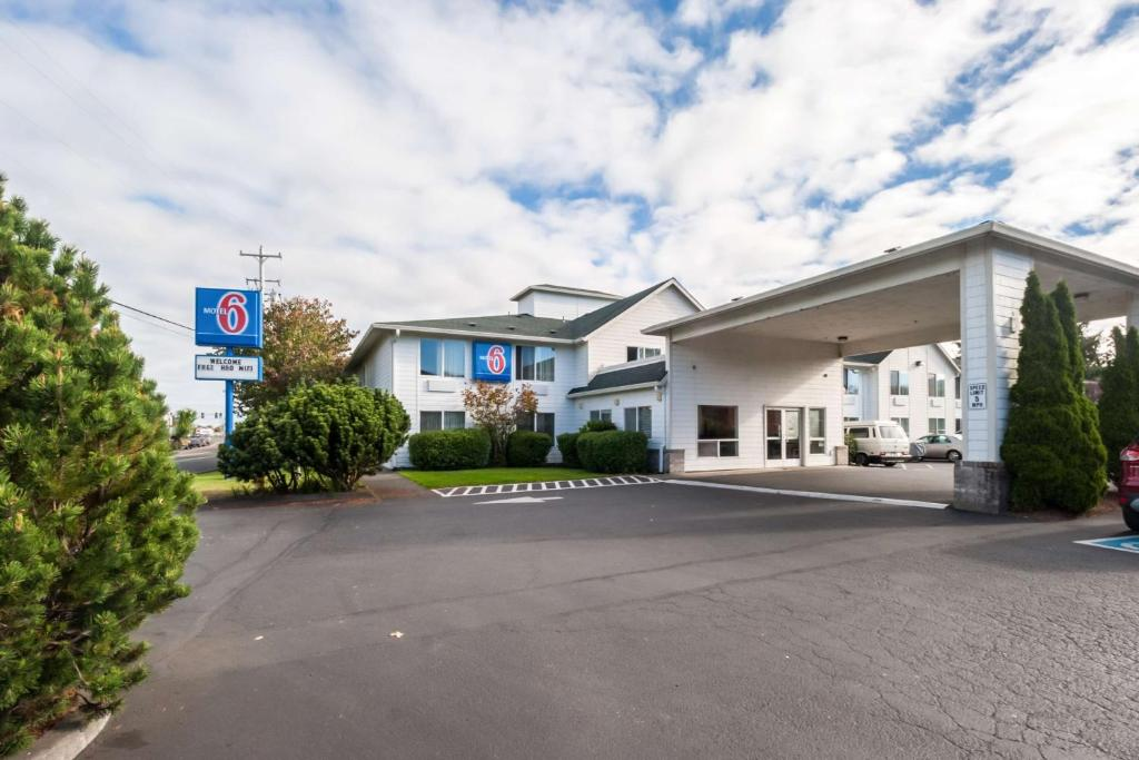 Motel 6 Seaside OR