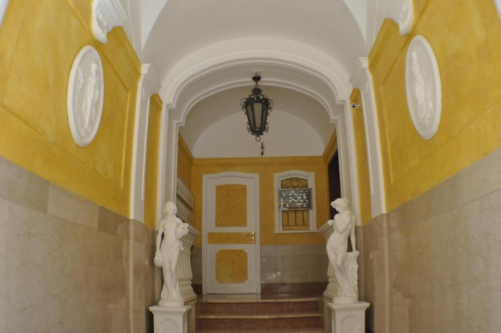 Amico Hotel