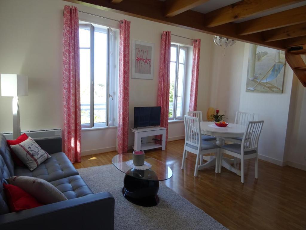 apartamento sur le vieux port la rochelle fran a la. Black Bedroom Furniture Sets. Home Design Ideas