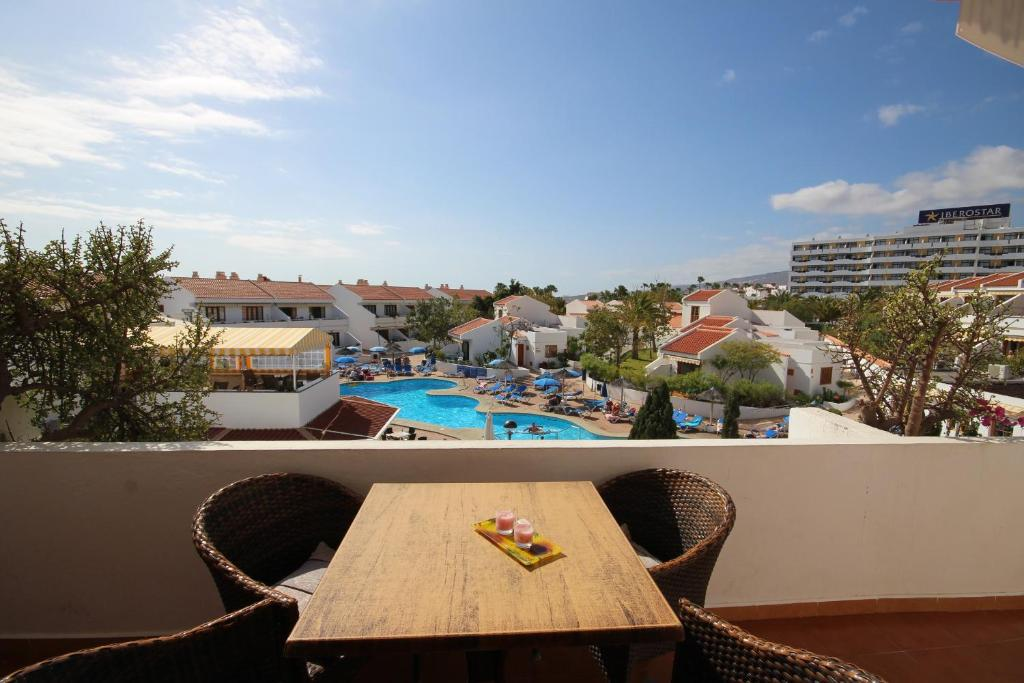 Apartamento garden city pool view espanha playa de las for Garden city pool 11530