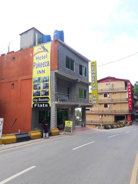 Hotel Pakeeza INN