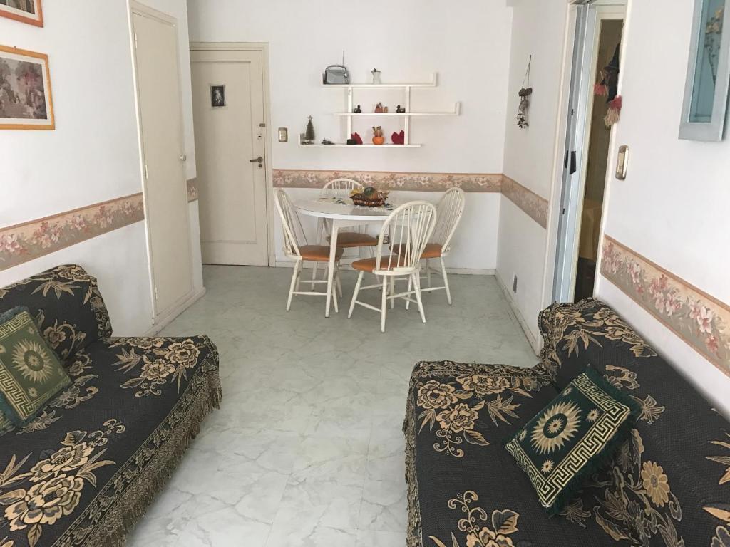 Departamento Departamento En Colonial 1 Argentina Villa Gesell  # Muebles Villa Gesell
