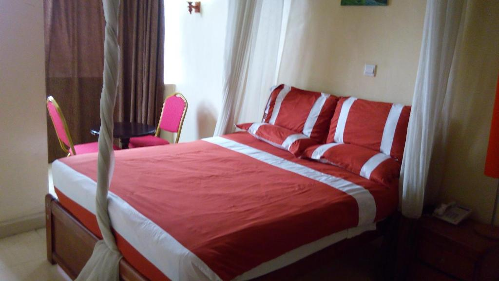 Royal Palm Hotel and Suites