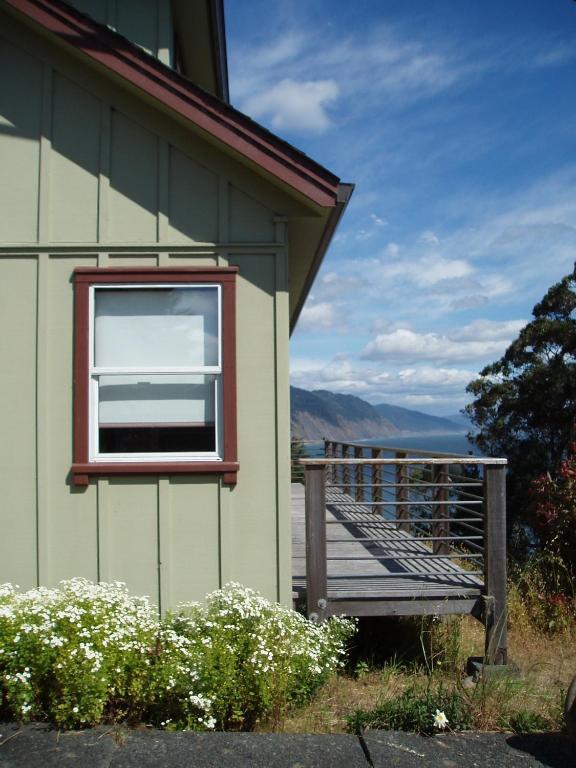Shelter Cove Vista - Two Bedroom Cabin