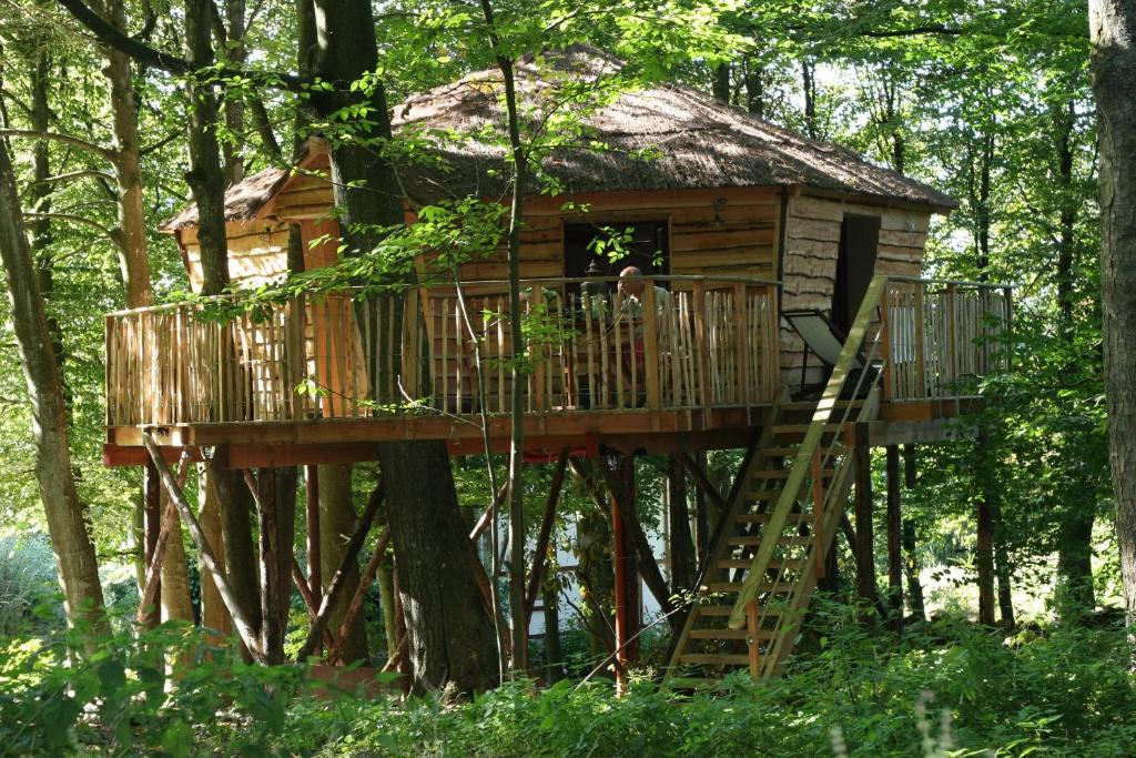 B b cabane bois dormant belgique spa - Hotel insolite belgique ...