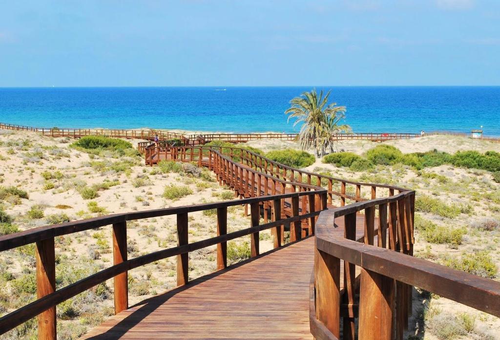 Bungalow de lujo en gran alacant espa a puerto marino for Booking hoteles de lujo