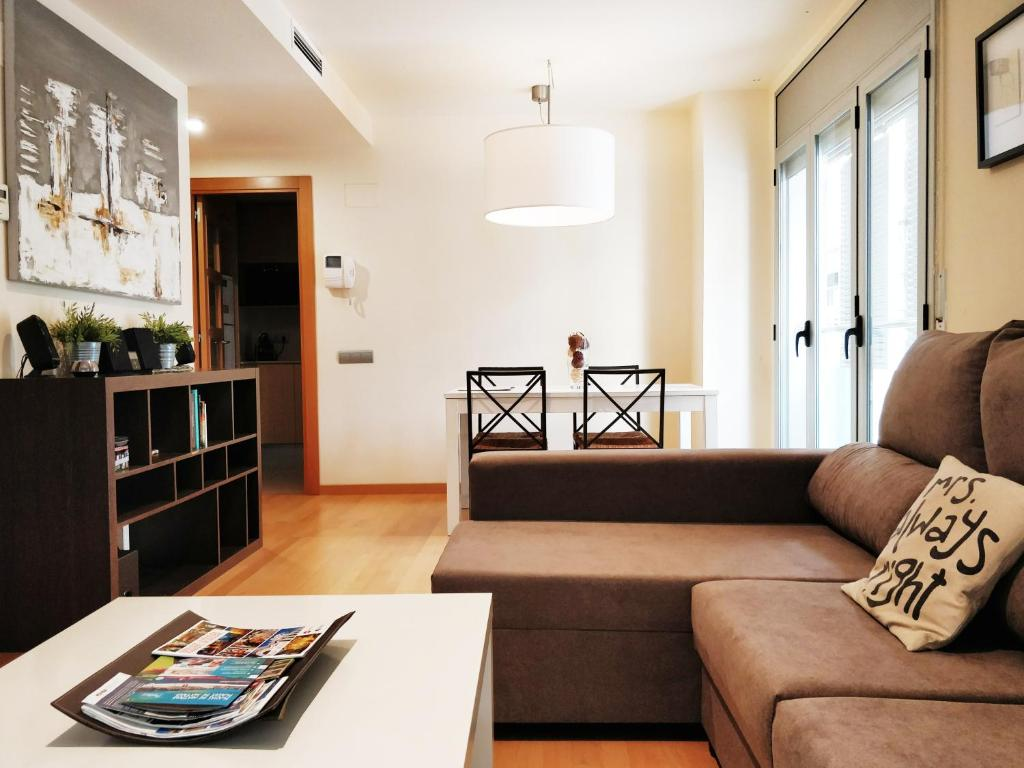 Mazi Apartments Downtown (España Mataró) - Booking.com