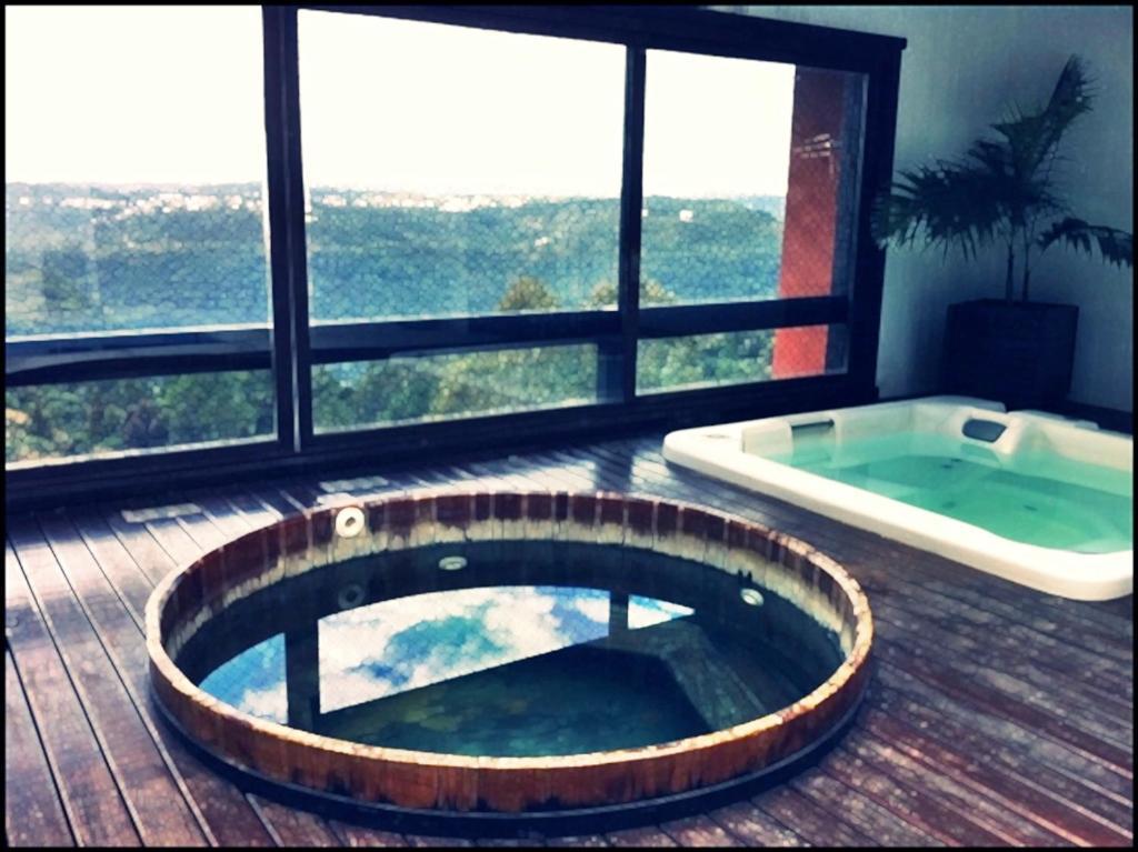 323 Apto p 5 com piscina