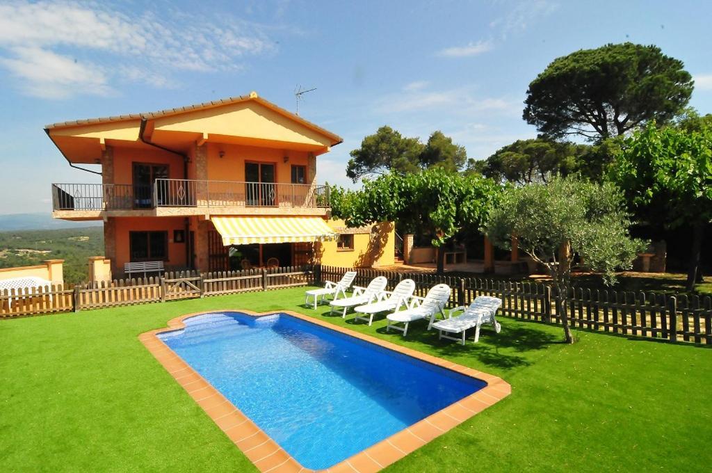 Casa de temporada HomeHolidaysRentals Rose (Espanha Tordera ...