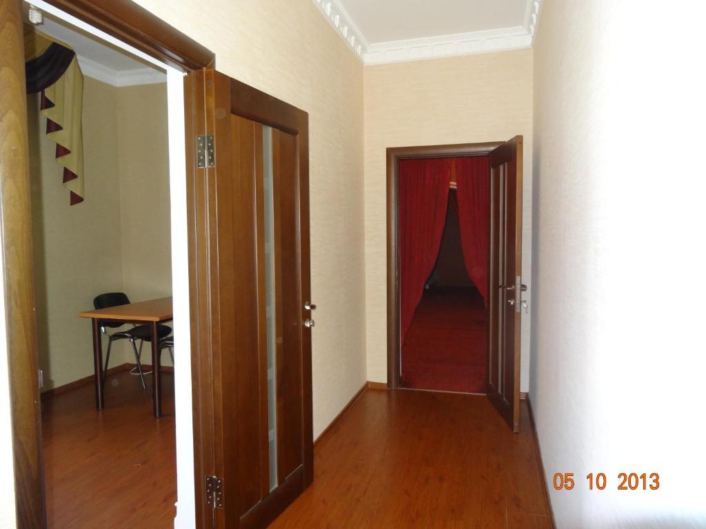 Apartment on Akushinskogo 84