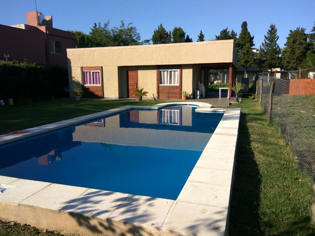f367e8affcfd2 Casa de vacaciones Casa quinta Camino al Sol (Argentina Junín ...