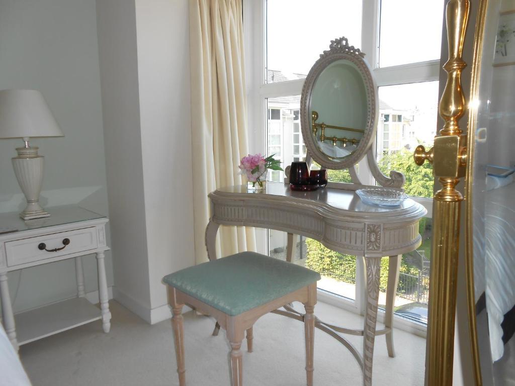 Casa de vacaciones Sunnybank House in North Epsom (Reino Unido Epsom ...