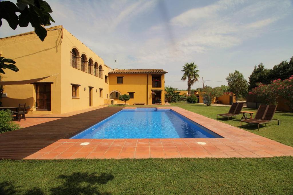 Casa de vacaciones masies de dalt espa a cabanes - Casas vacaciones cataluna ...