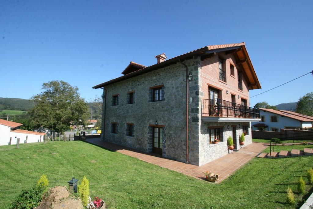 Apartamentos toraya espa a hoz de anero for Alojamientos originales espana
