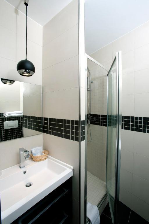 apartment censier daubenton paris france. Black Bedroom Furniture Sets. Home Design Ideas