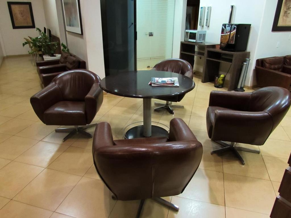 Dourados Center Hotel (Brasil Dourados) - Booking.com fbb414105db