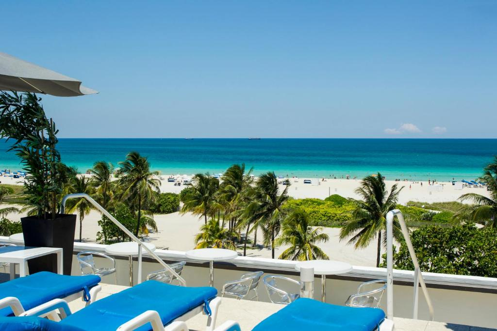 Apartamento c ocean rentals eua miami beach for The strand rooftop nyc
