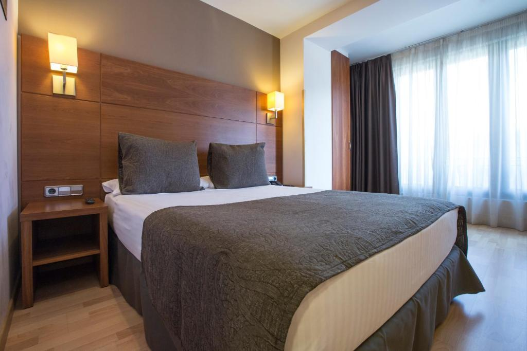Hostal en barrio gracia barcelona