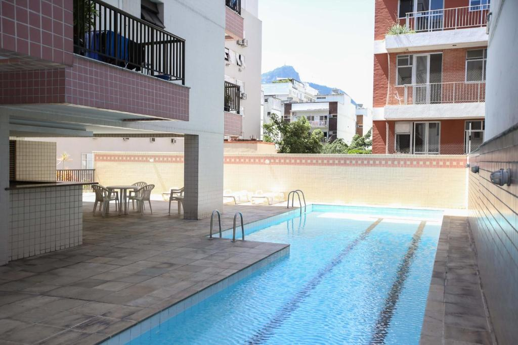 2 Bedrooms Apartment with Pool in Ipanema