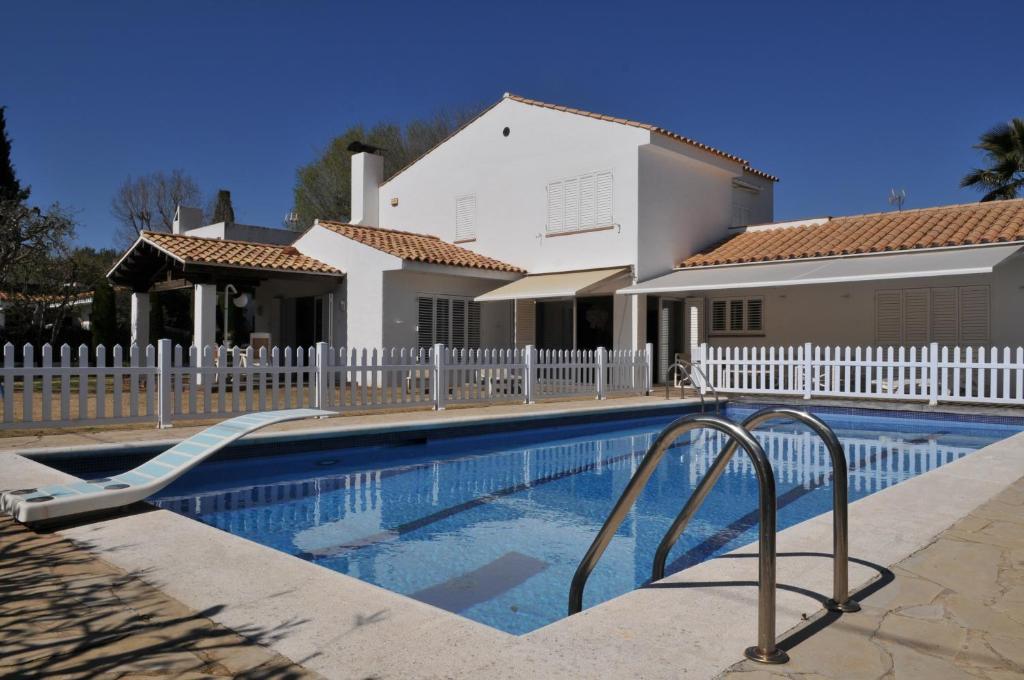 Med. Charming Villa (España Sant Pere de Ribes) - Booking.com