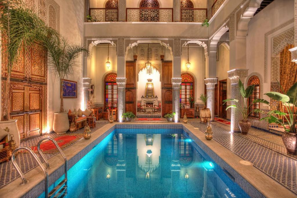 A piscina localizada em Riad El Amine Fes ou nos arredores