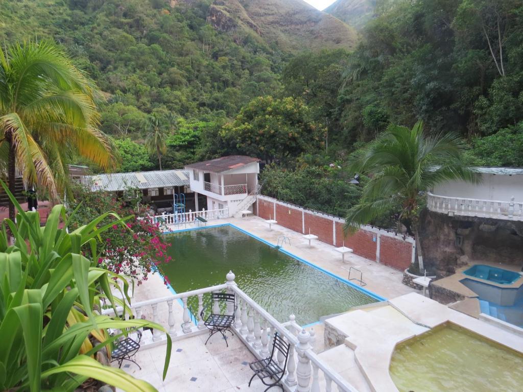 Estadía rural Piscina Natural Cascada (Colombia Melgar) - Booking.com