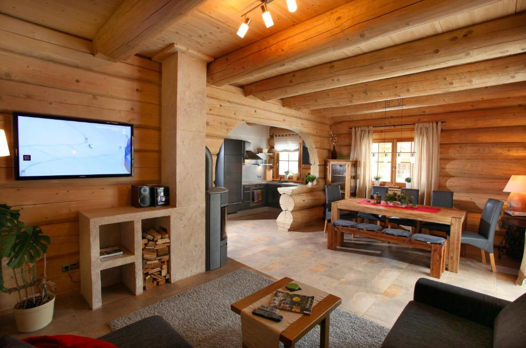 blockhaus chalet heim oostenrijk kirchberg in tirol. Black Bedroom Furniture Sets. Home Design Ideas