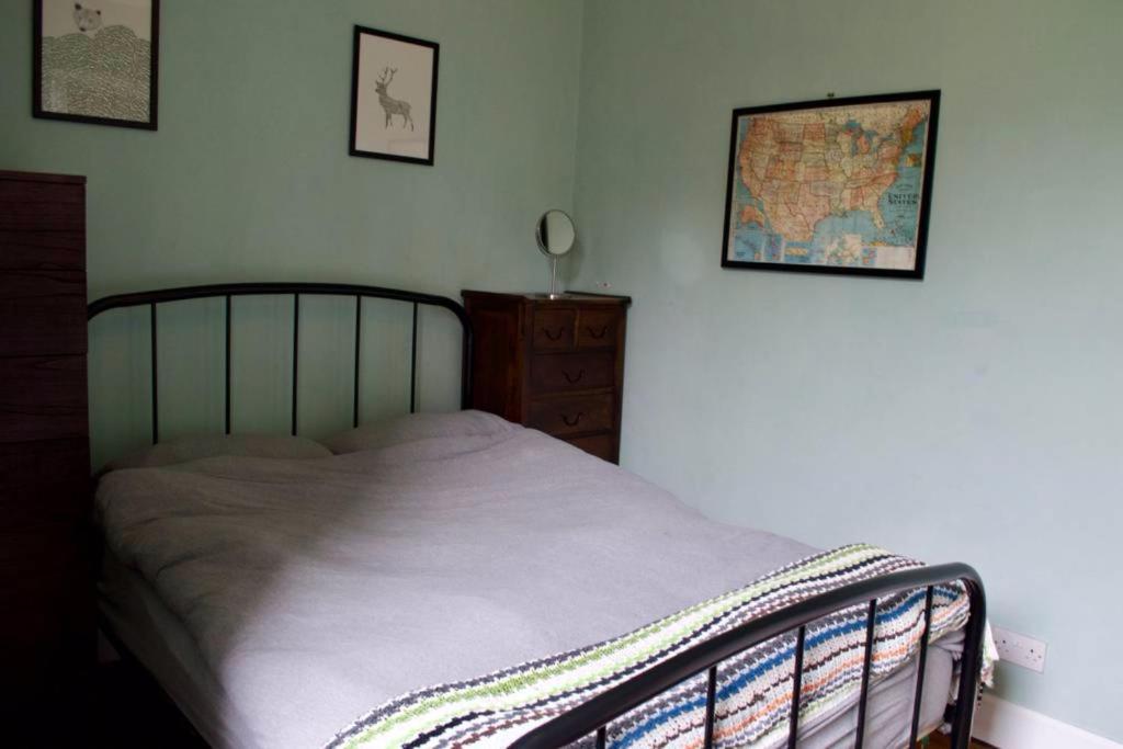 2 Bedroom Apartment near The Shore Sleeps 3