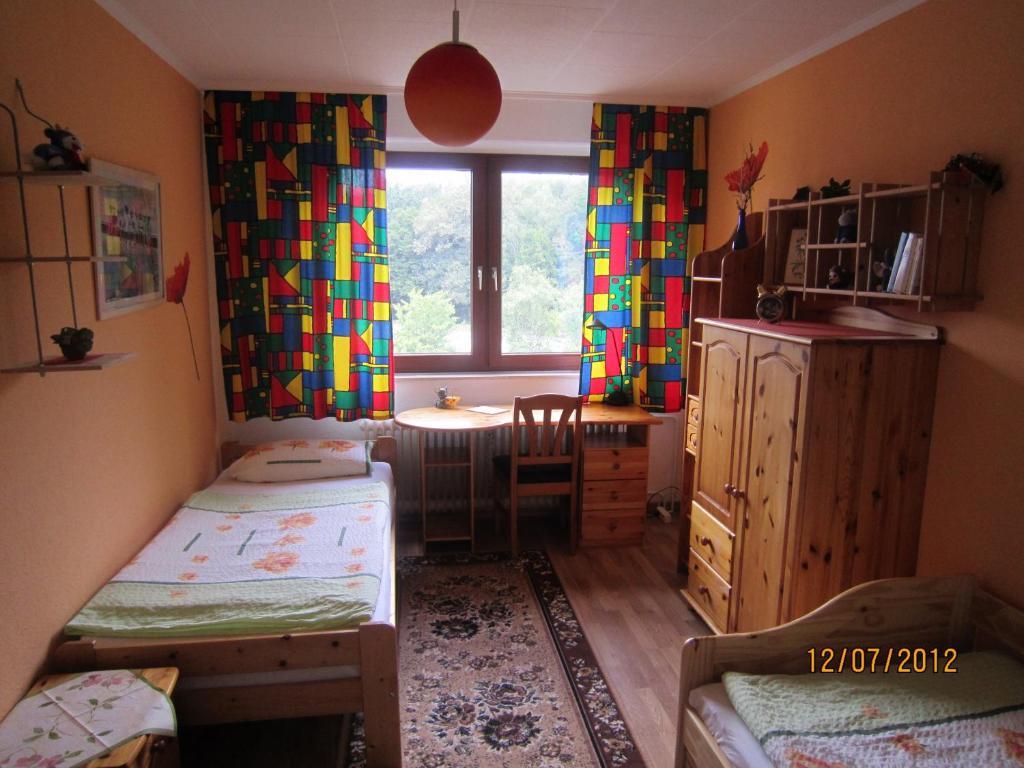 apartment hannover messe hanover germany. Black Bedroom Furniture Sets. Home Design Ideas