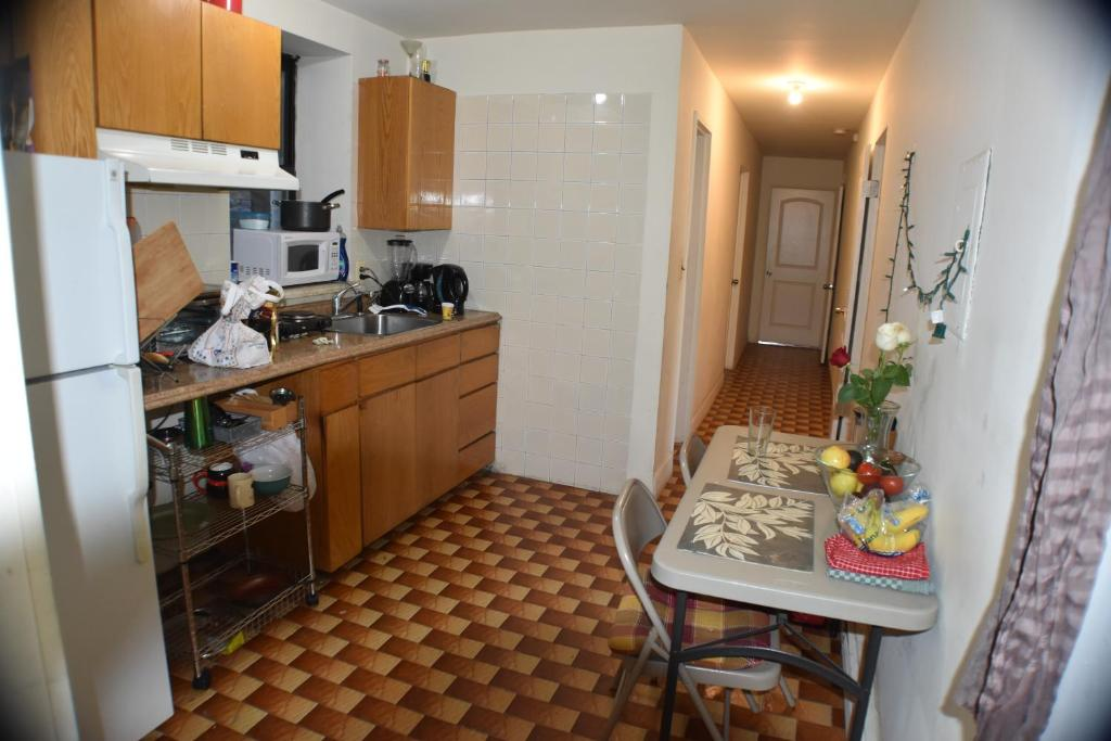 Moderno Cocina Y Baño De Ciudad De Nueva York Motivo - Ideas para ...