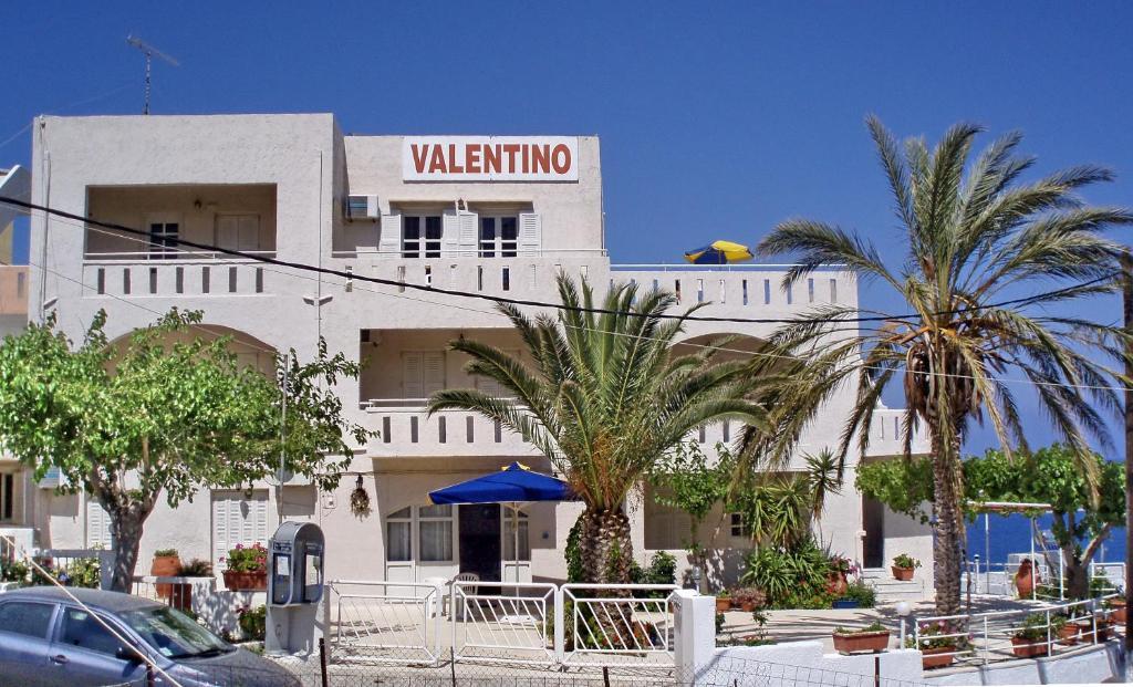 <div data-et-view=NAFQCDCcdXDPdFO:1</div Valentino Apartments