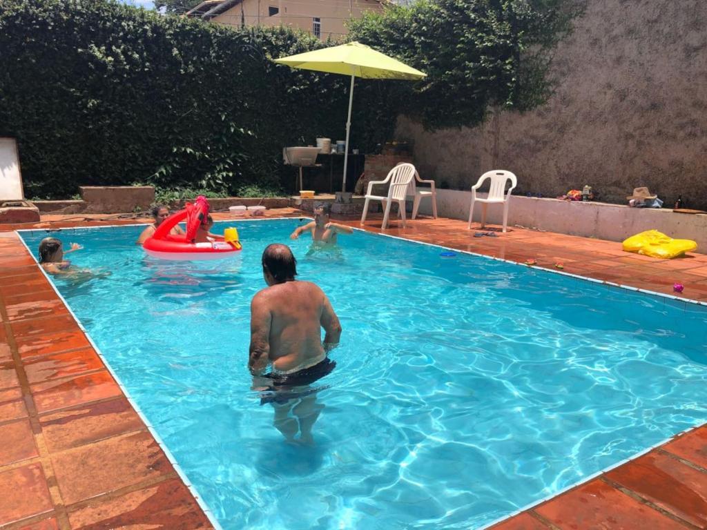 Casa de temporada casa grande com piscina brasil belo horizonte - Hotel a sillian con piscina ...