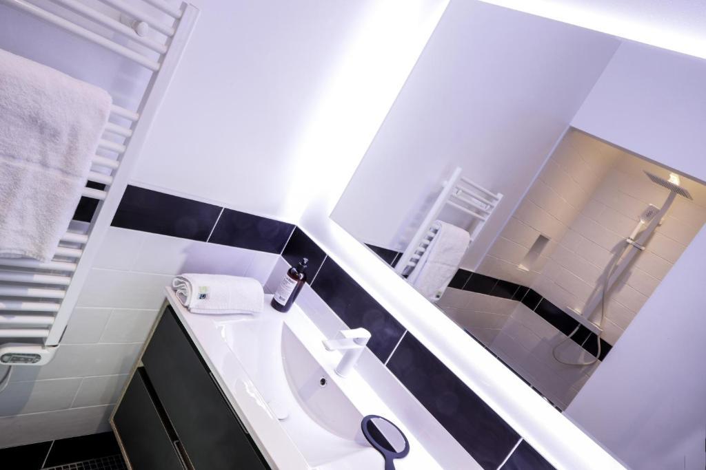 Apart hotel cote ouest aix les bains fran a aix les bains for Appart hotel aix les bains