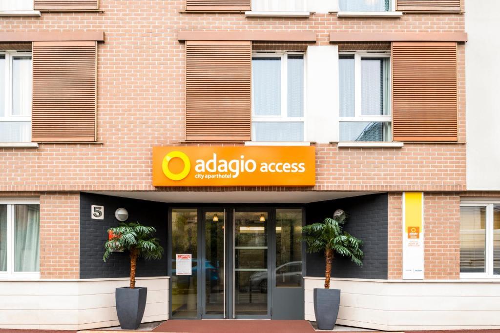 Adagio Access Paris Vanves Porte De Chatillon�Aparthotel Paris France