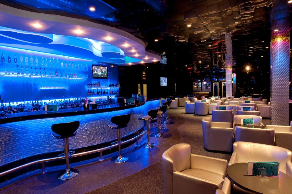 La sala de estar o bar de Barcelo Santo Domingo