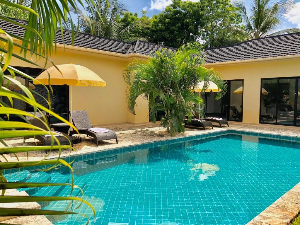 Grand Amber Villa Diani